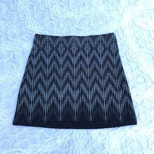 Athleta Skirt gray and black fleece lined sz S